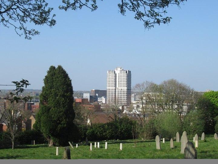 1200px-Swindon_Radnor_Street_Cemetery