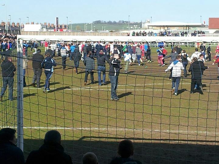 Darlington_Fans_Invading_the_pitch