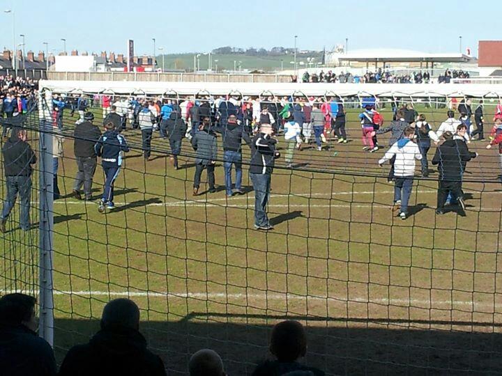Darlington_Fans_Invading_the_pitch